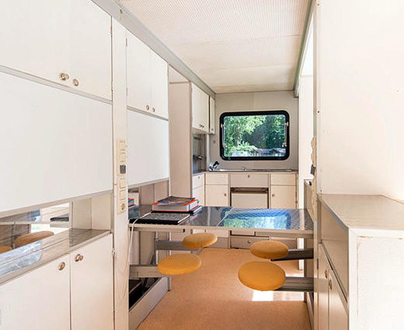 ucl-4-urbancamper_kitchen2